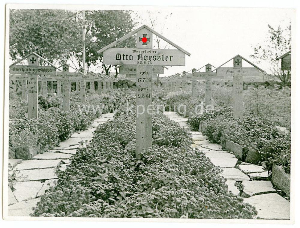 2 fotos soldatenfriedhof ma e 10x15cm und 11x8cm 12 00 euro. Black Bedroom Furniture Sets. Home Design Ideas