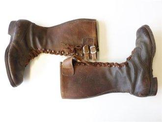 Paar Stiefel SA , braunes Leder, Sohlenlänge 28cm