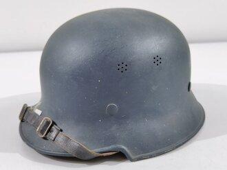 Leichtmetallhelm Deutsch 2. Weltkrieg, blauer Originallack
