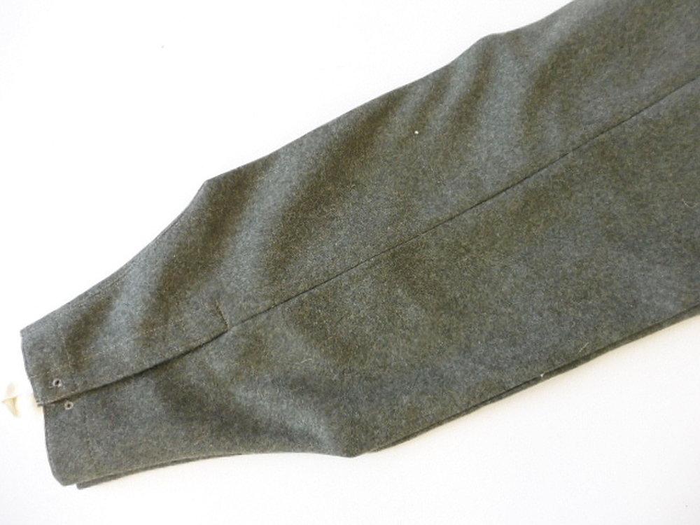 reproduktion-feldhose-fuer-mannschaften-der-wehrmacht-modell-1943~2.jpg