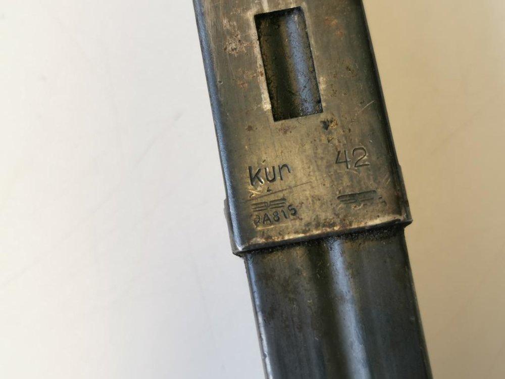 magazin-mp38-u-40-wehrmacht-datiert-1942_3~8.jpg